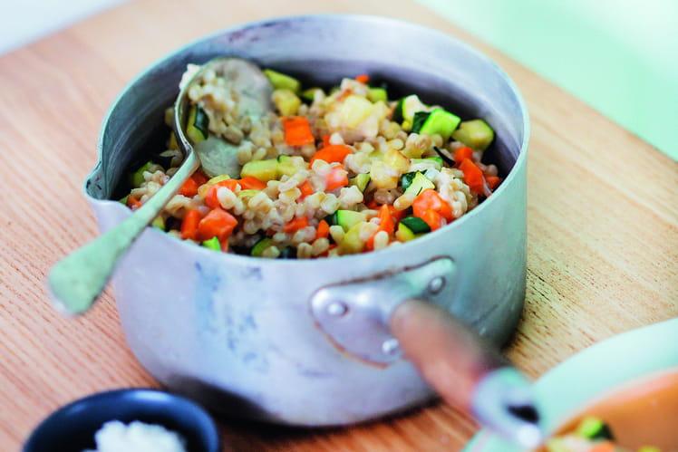 Risotto d'orge mondé aux petits légumes