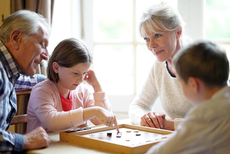 Les grands-parents en ont assez de jouer les nounous