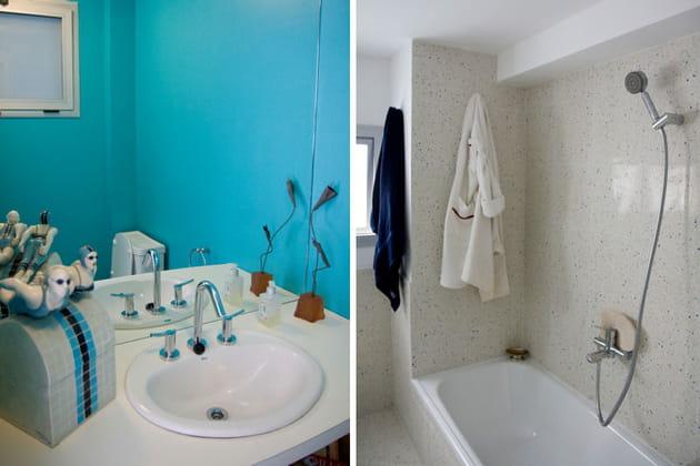 Une salle de bains turquoise et blanc