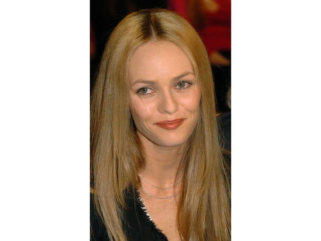 Vanessa Paradis: les cheveux lisses