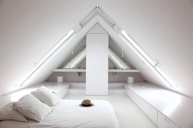 Une suite parentale immaculée sous les toits