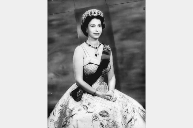 Portrait de la reine en jeune femme