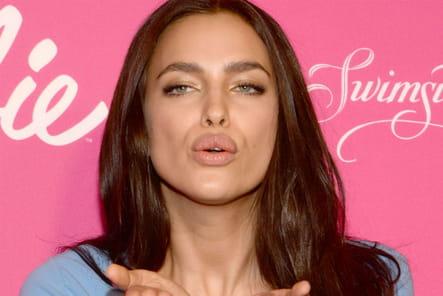 Irina Shayk : deux mains pour soutenir son bisou