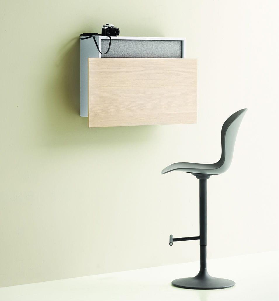 le secr taire mural cupertino de boconcept. Black Bedroom Furniture Sets. Home Design Ideas