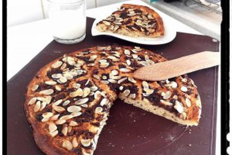 Focaccias à la purée de banane au chocolat râpé et amandes parsemées