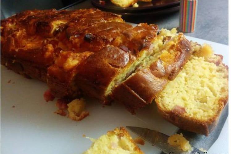 Cake aux oignons caramélisés, jambon et pavé d'Affinois