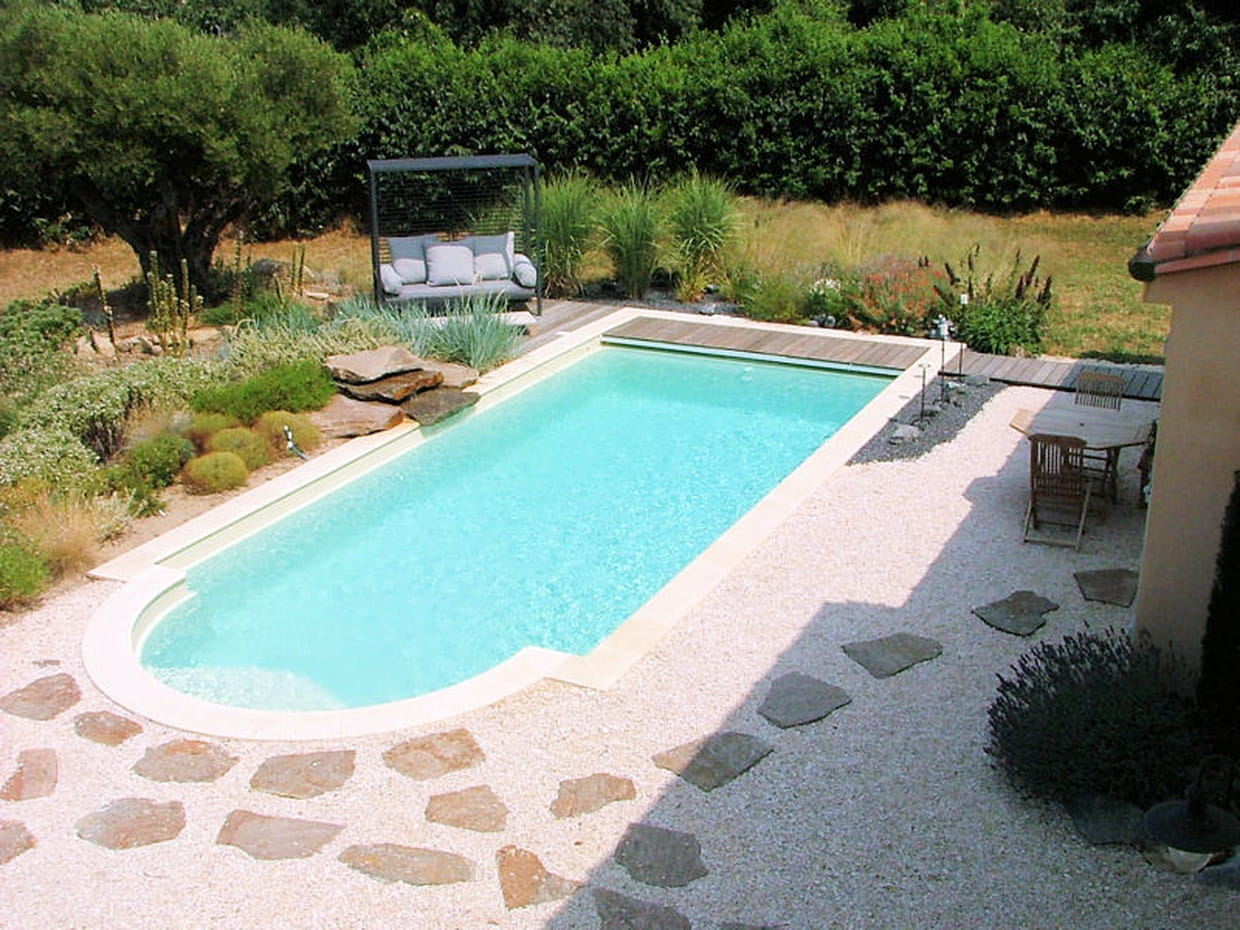La construction d 39 un jardin m diterran en avec piscine for Decoration jardin mediterraneen