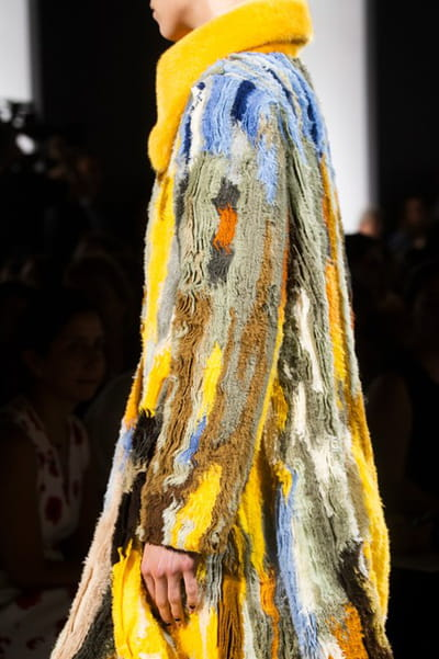 Fendi Couture (Close Up) - photo 2