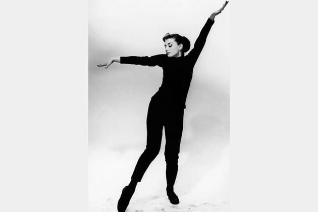 Audrey Hepburn en noir