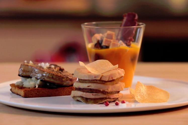 Foie gras poêlé, purée de topinambours sur pain d'épices, velouté de potimarron, magret de canard et feuilleté au foie gras