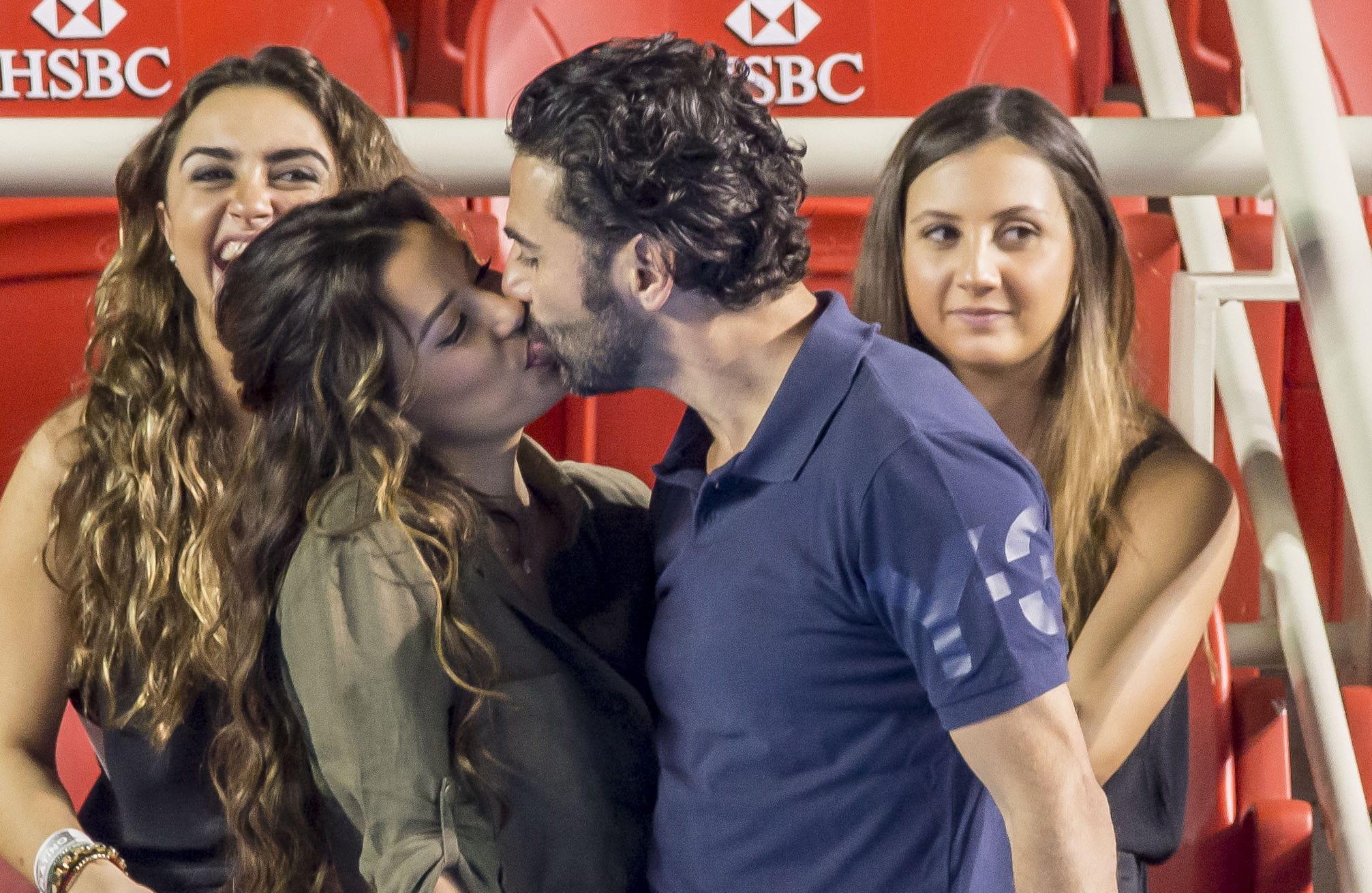 Eva Longoria rencontres Jose datant de la grossesse tout droit après une fausse couche