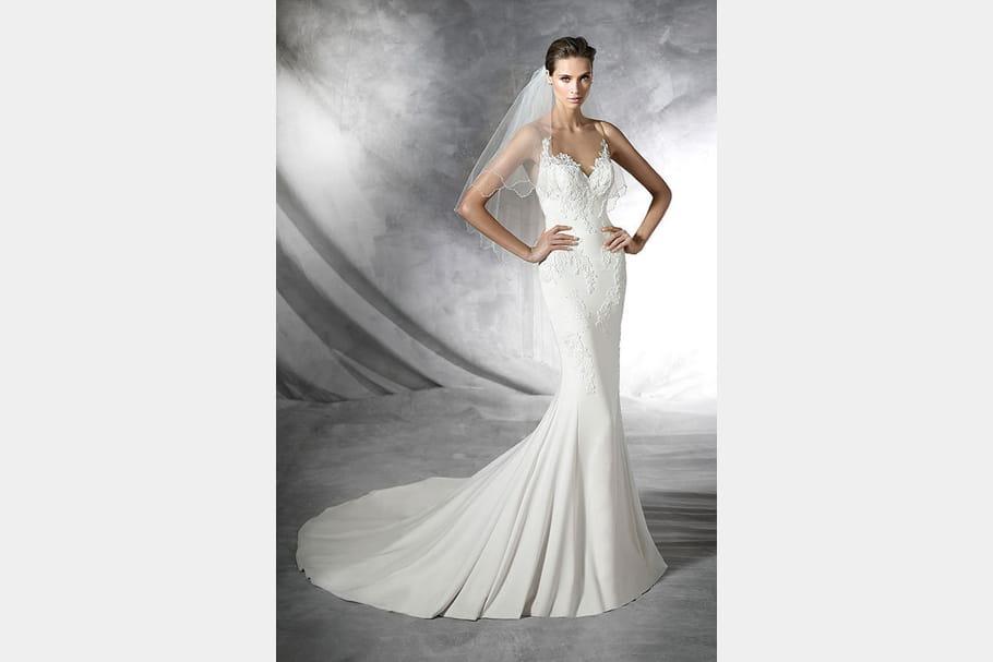 Robe de mari e plisa pronovias for Robes de mariage en consignation ct