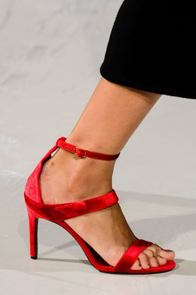 Oscar De La Renta (Close Up) - photo 2