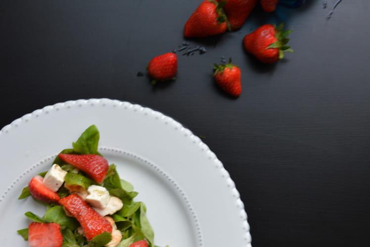 Salade sucrée-salée fraises et poulet