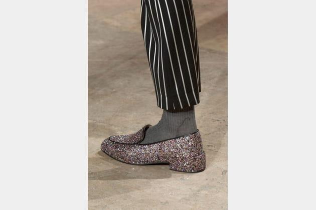 Les moccassins à paillettes du défilé Paul & Joe