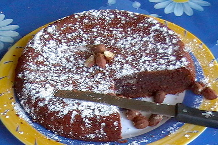 Gâteau au noisettes, miel et chocolat