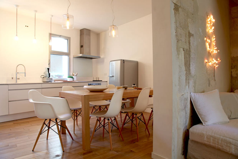 Touches design en cuisine for Maison deco blanche