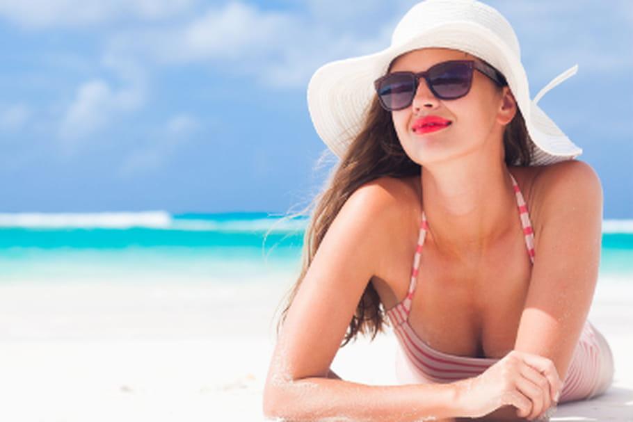 Comment se maquiller pour aller la plage - Sortie de plage femme ...