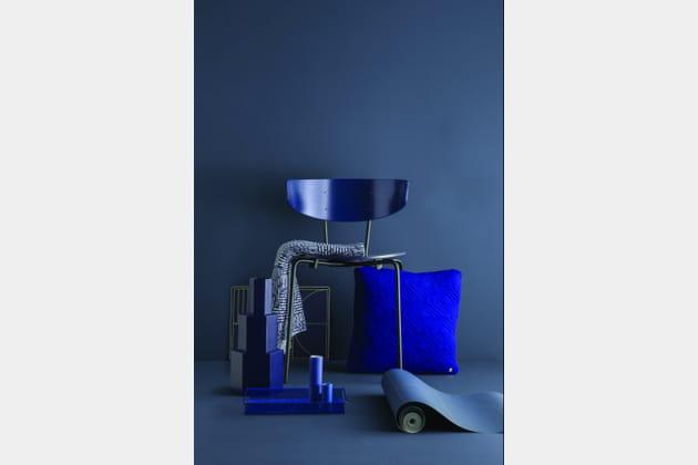 Chaise et coussin en bleu indigo de Fleux'