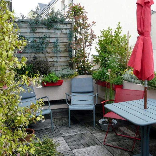 des plantes faciles pour balcon et terrasse. Black Bedroom Furniture Sets. Home Design Ideas
