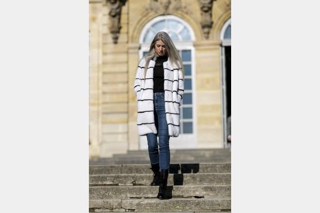 Street style à Paris : le manteau blanc mais pas trop