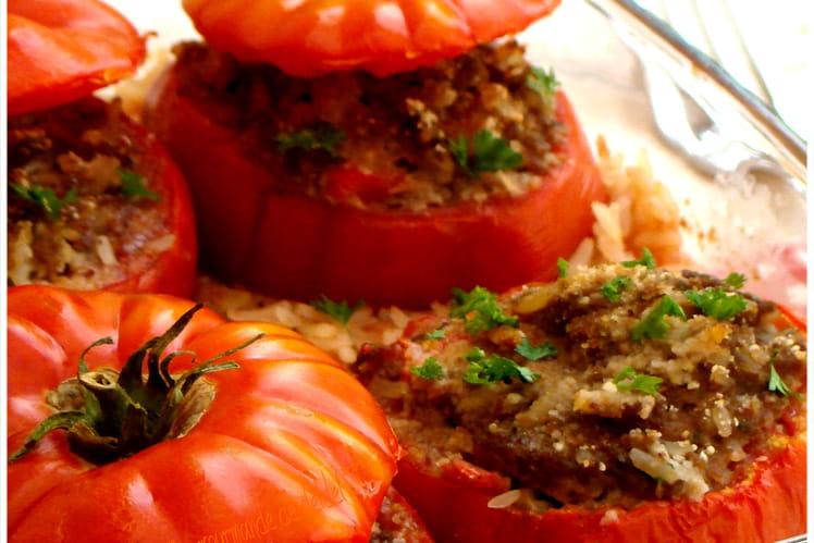 Tomates farcies aux viandes et riz au lait