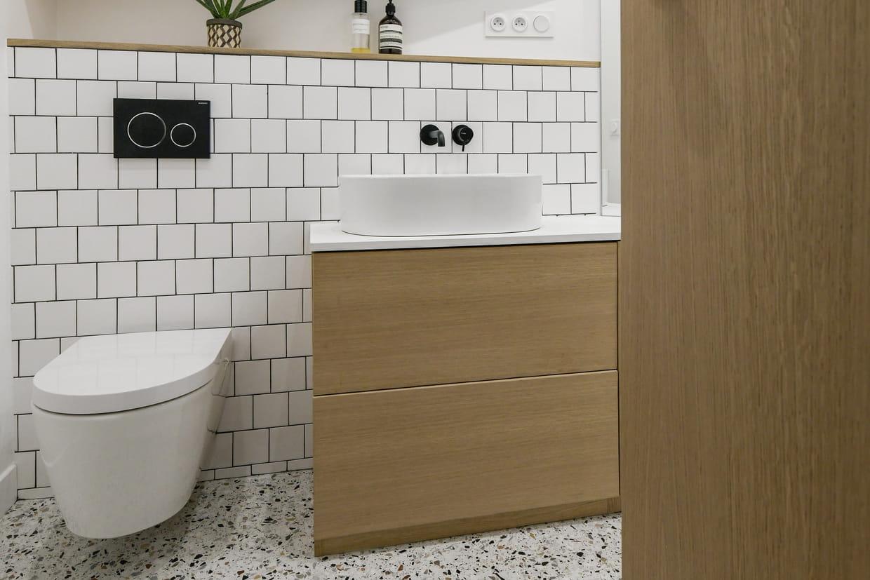 Peinture Pour Les Toilettes déco des wc : comment donner du style à ses toilettes ?