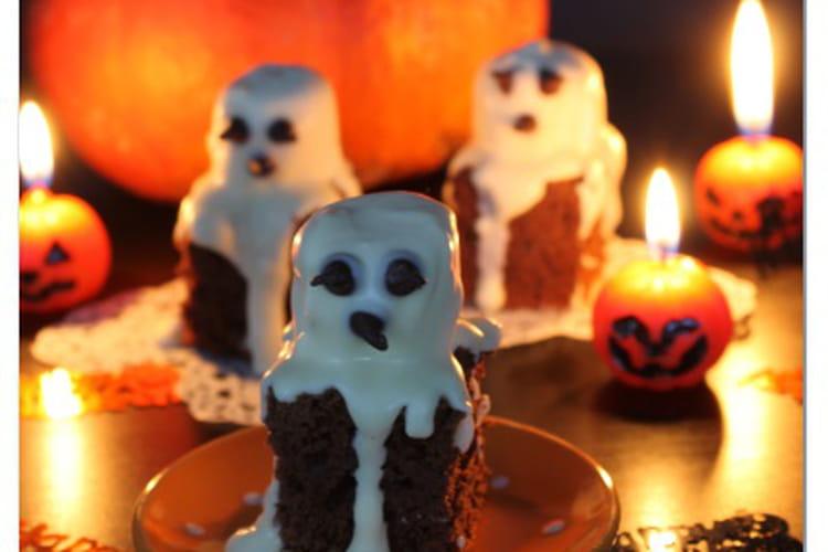 Gâteau au chocolat et marshmallow fantôme
