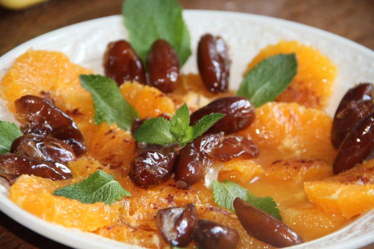 Salade d'oranges aux dattes, cannelle, fleur d'oranger et menthe