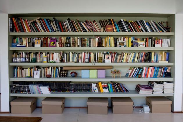 Une bibliothèque ouverte et spacieuse
