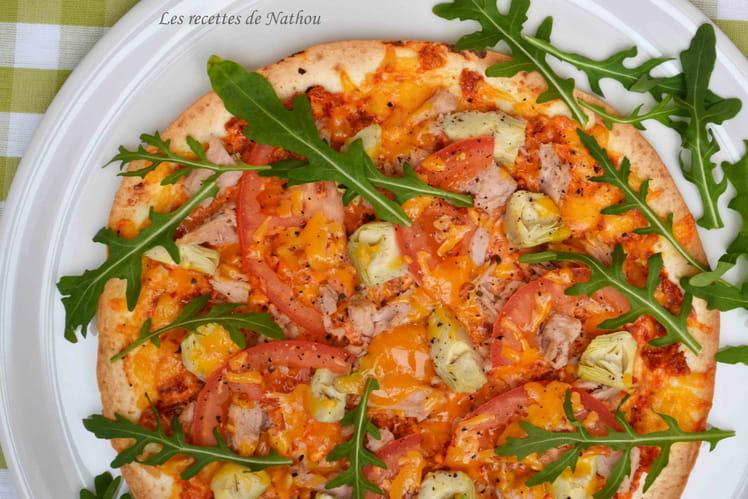 Pizza-wrap au thon, coeurs d'artichauts, pesto de tomates séchées à la ricotta...