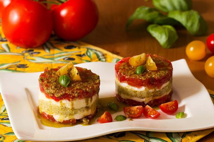 Tartare de tomates et mozzarella en mille-feuille