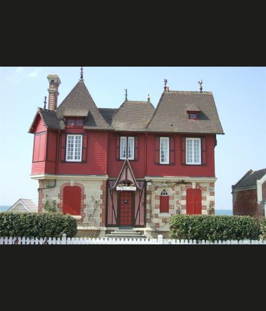 C'est une maison rouge...