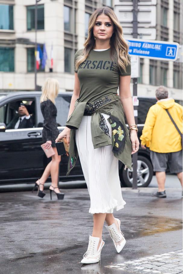 Street style à Paris : le t-shirt logo