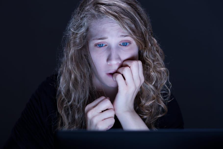 La jeunesse face au X: que fait l'Etat contre les contenus pornos?