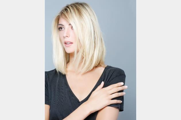Le carré long blond