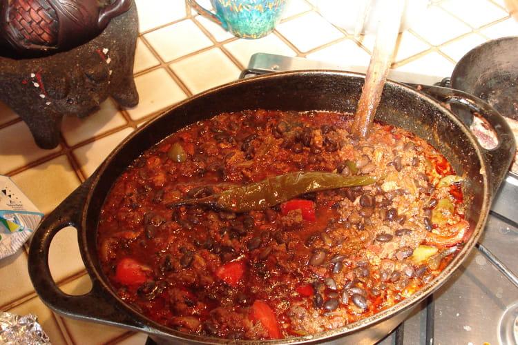 Chili con carne, saindoux et piments oiseau