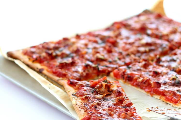 Pizza poivron et basilic