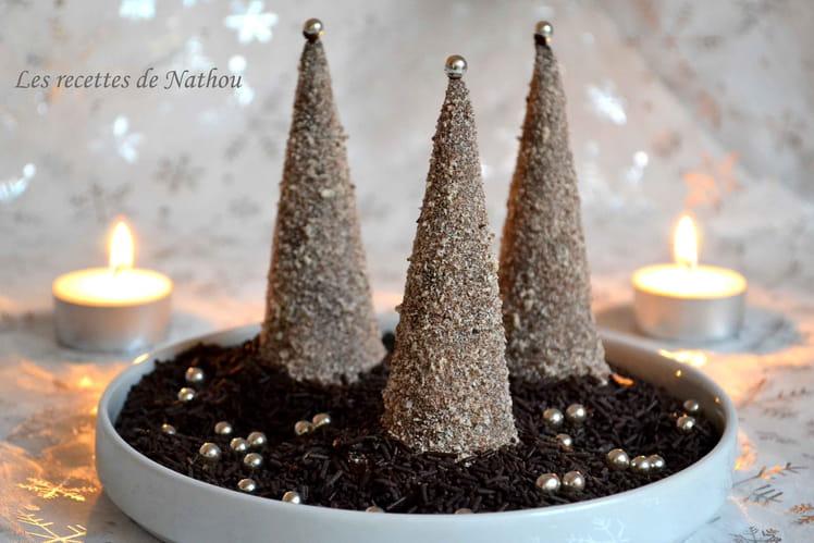 Sapins de Noël en chocolat, fourrés à la mousse de Chamallow