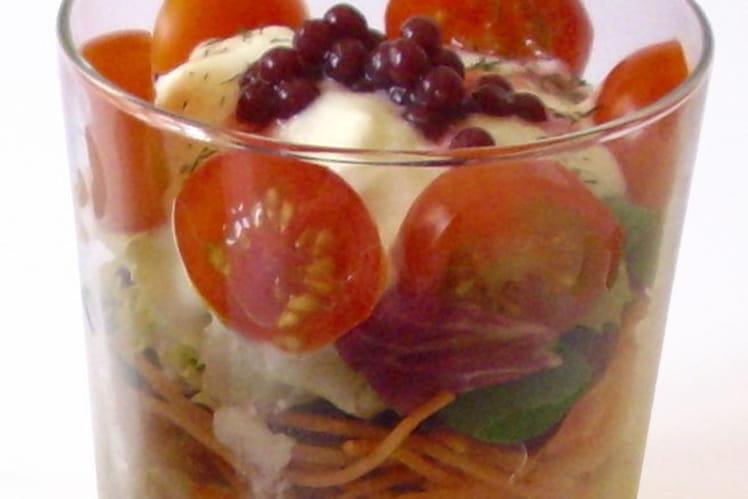 Salade de riz et ses perles de fraises moléculaires
