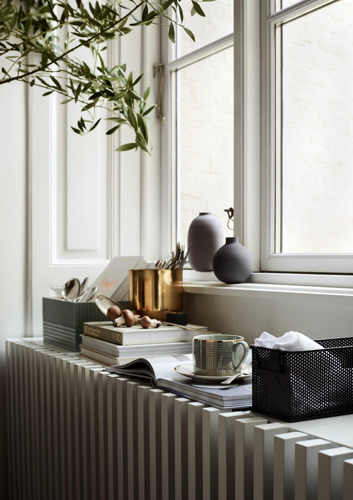 tasse bleue et dor e. Black Bedroom Furniture Sets. Home Design Ideas