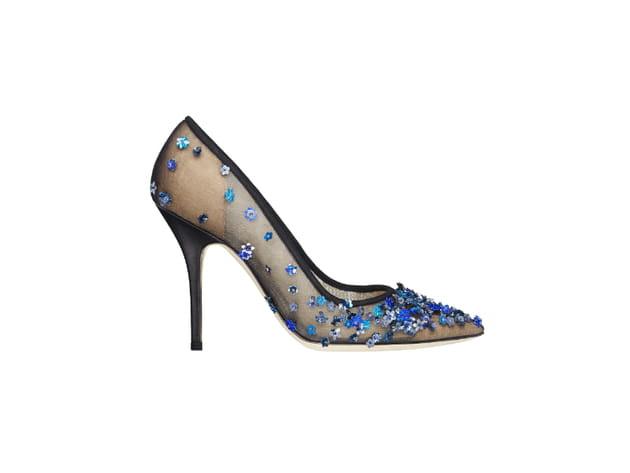 Les escarpins brodés de fleurs de Christian Dior