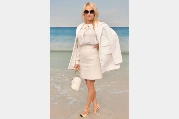 Pamela Anderson au défilé Chanel