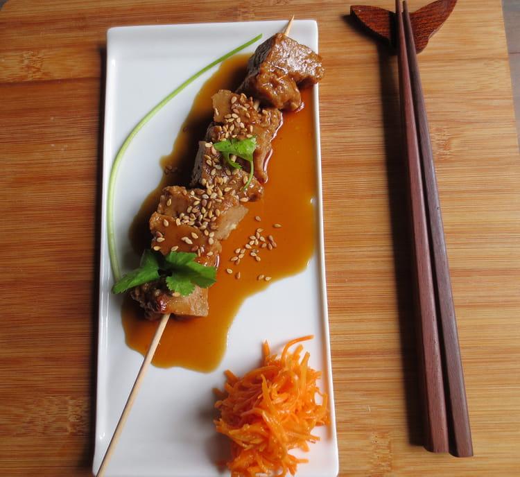 ... Brochettes de Seitan laqué, coriandre et sésame : la recette facile