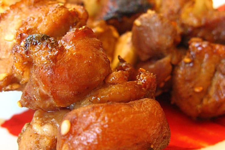 Brochettes de porc sauce hoisin et abricots secs