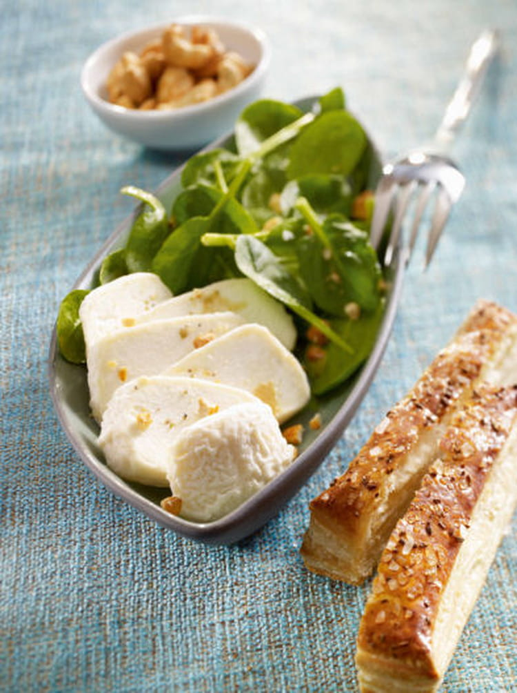 recette de salade de crottin de ch vre et pinards frais la recette facile. Black Bedroom Furniture Sets. Home Design Ideas