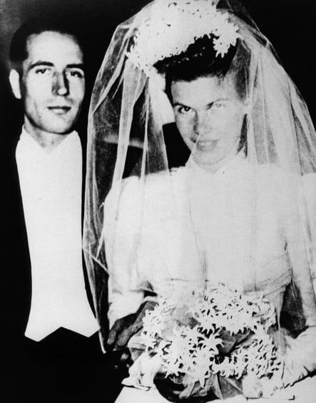 Il épouse Danielle Gouze le 28 octobre 1944