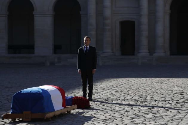 Emmanuel Macron après son éloge funèbre