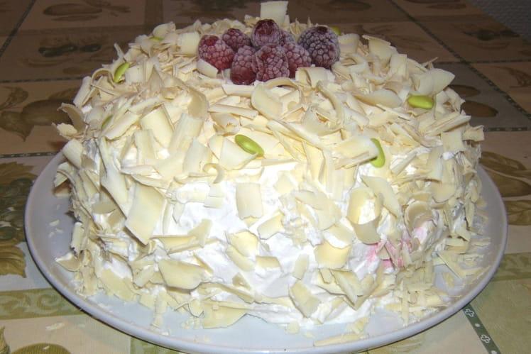 Gâteau aux framboises et au chocolat blanc
