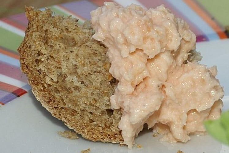 Rillettes de saumon fumé, œufs de saumon et estragon